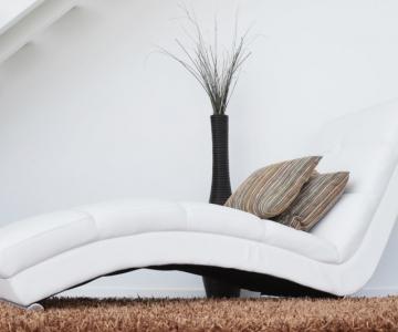 Hogyan varázsolj otthonos hangulatot fehér bútorok közé?