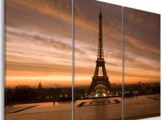 Kép - Eiffel Tower at dusk