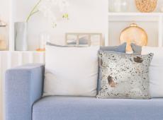 Spark Pillow 210 csontszínű / króm